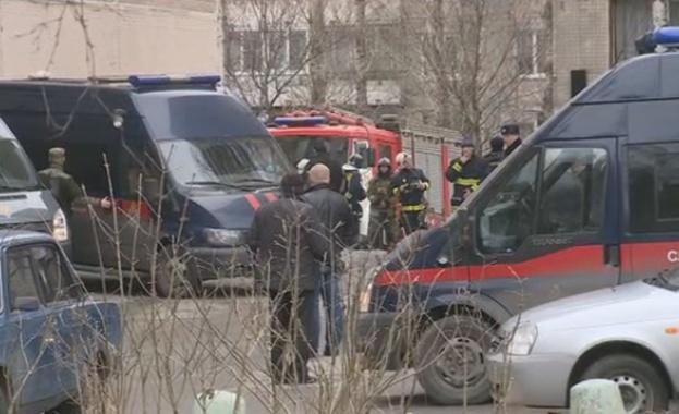 Обезвредиха взривно устройство в жилищен блок в Санкт Петербург