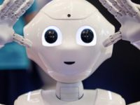 Руският хуманоиден робот Ф.Е.Д.О.Р започна да развива фината си моторика