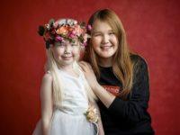 Нарияна и 14-годишната й сестра Карина