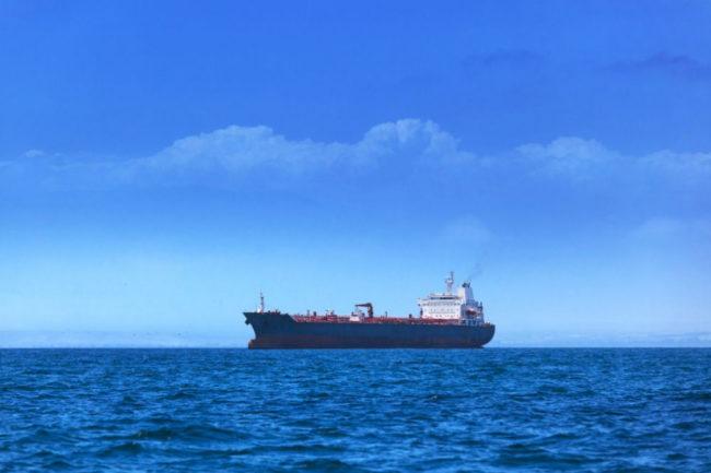 Руски кораб потъва в Черно море, екипажът е в безопасност