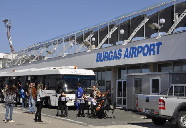 Два пъти повече чартърни полети от Русия до Бургас това лято