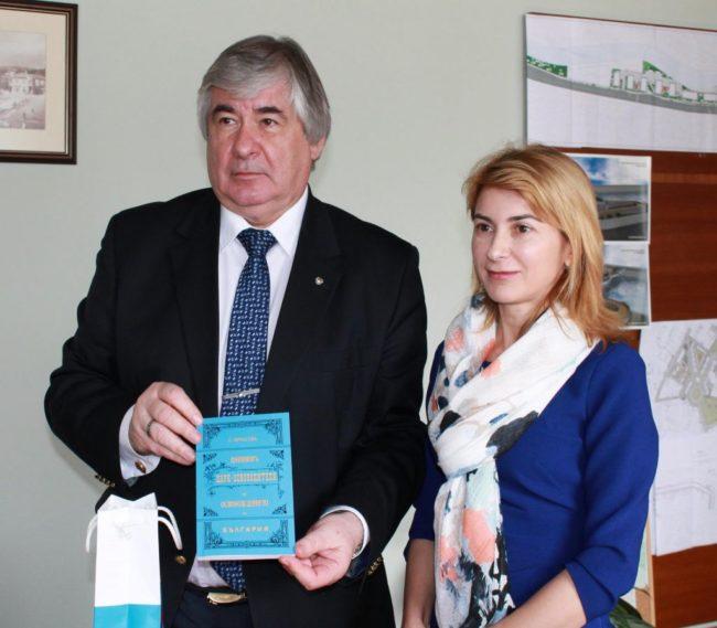 Посланик Анатолий Макаров проведе работна среща с кмета на община Габрово Таня Христова