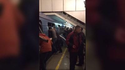 Открита е ръка на терориста в метрото в Петербург с намотани жици по нея