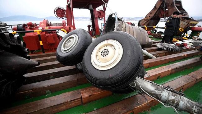 Руското следствие отрече, че причина за разбиването на самолета Ту-154 в Черно море е претовареност