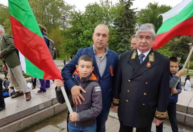Най-големият малък приятел на президента поздрави с Денят на победата посланикa на Русия в България