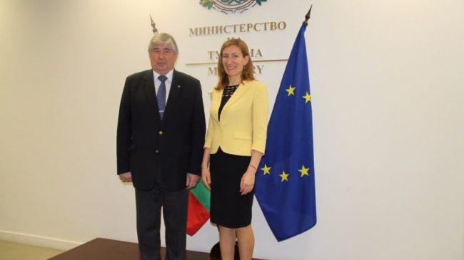 Министър Ангелкова и посланик Макаров обсъдиха българо-руското сътрудничество в туризма
