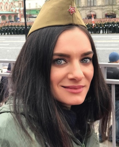 Елена Исинбаева отбеляза Деня на Победата
