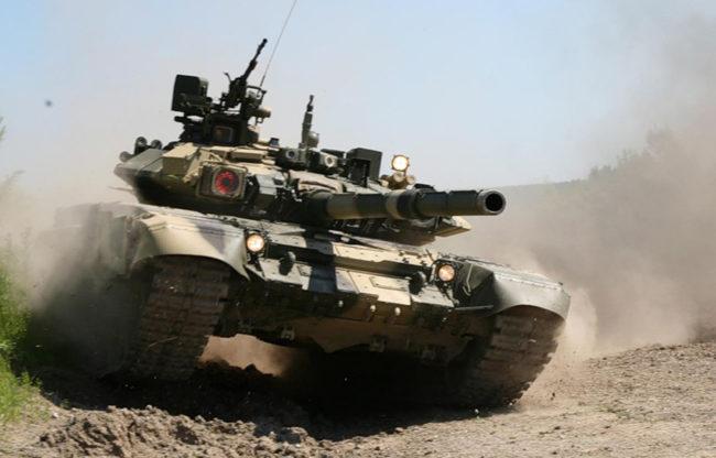 Т-90 влиза в пустинята