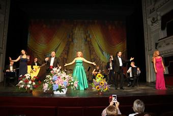 """""""Бис-Квит"""" покори Софийската опера"""