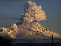 Вулкан в Русия изхвърли пепел на височина 15 км