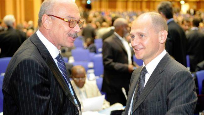 Воронков (вляво) по време на среща на МААЕ през 2011 година. / БГНЕС