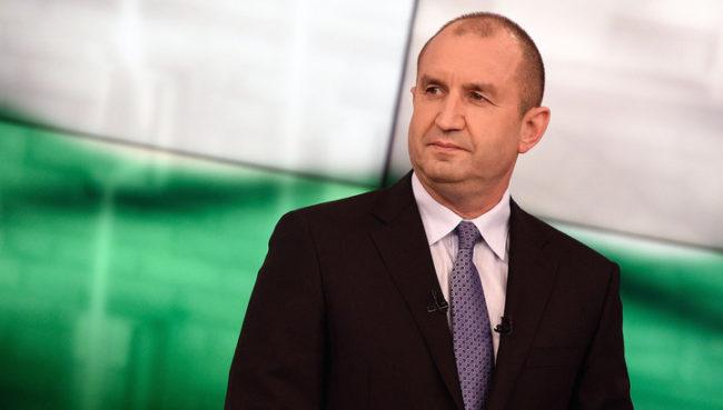 Румен Радев покани Владимир Путин на официално посещение в България