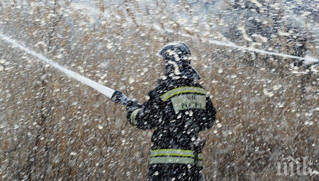 Пламна химически завод в Русия, има опасност от отравяне на въздуха