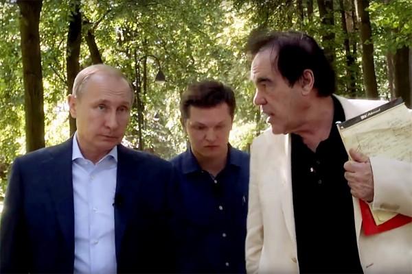 """""""Интервютата с Путин"""" на Оливър Стоун: ядрената война, Сноудън и свободата"""