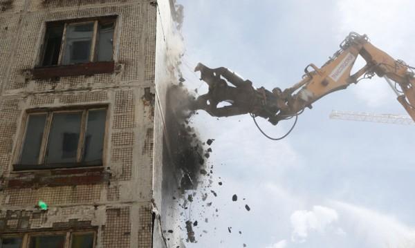 Путин подписа за събаряне на 4000 стари блока в Москва