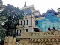Алла Пугачова живее в замък с 20 слугини