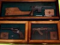 Миниатюрни оръжия, ръчно изработени от родопчанин са притежание на Путин, Жириновски, Алла Пугачова