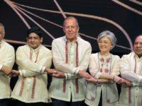 Лавров се облече с филипинска носия за официалната вечеря на АСЕАН