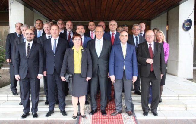 Сергей Лавров се срещна с посланиците на славянските страни в българското посолство в Москва