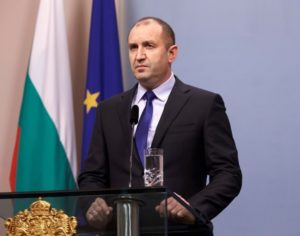 Румен Радев поздрави Владимир Путин за победата на изборите