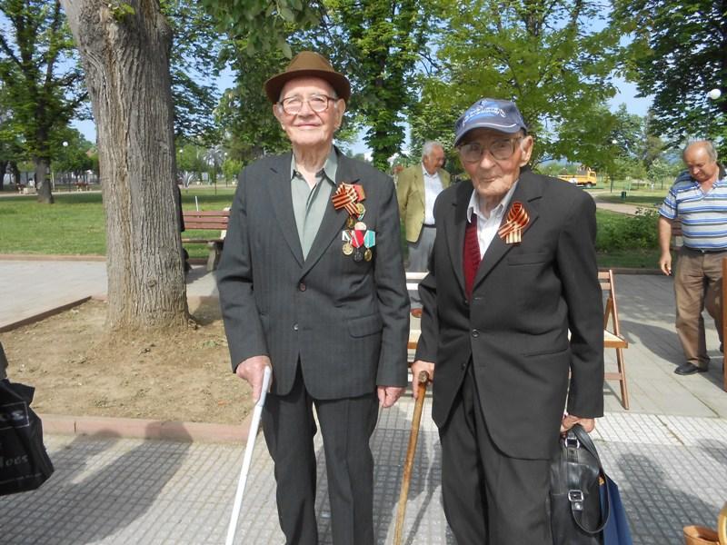 Ветераните Съби Гичев и Петко Събев