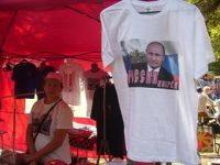 Разбира се, търговците не забравиха и привържениците на руския президент Владимир Путин
