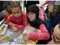 Кметството на гр. Москва подари специални книжки на българчета с нарушено зрение