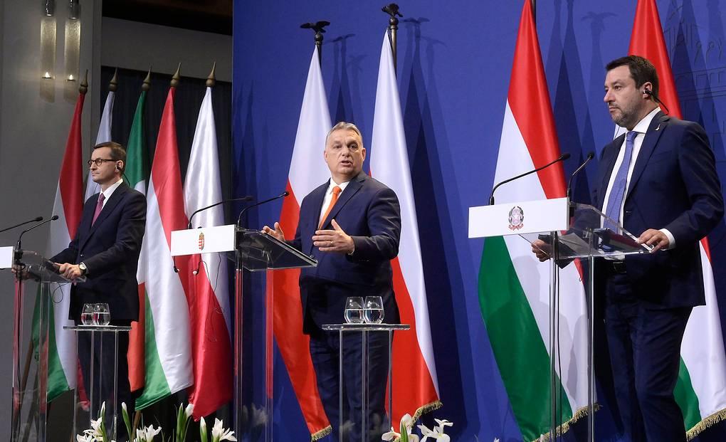 """Правый поворот. Партии трех стран ЕС хотят создать """"консервативный интернационал"""""""