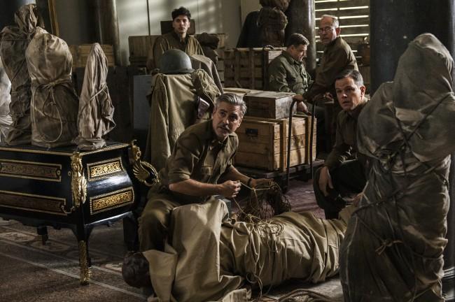 """Филмът на Дж. Клуни """"Ловци на съкровища"""" е обиден за руските зрители, смята руски критик"""
