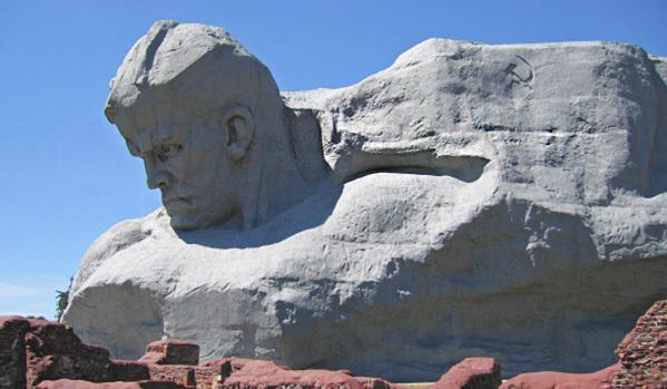 """МВнР на Русия: Характеристиката на """"CNN"""" за паметника """"Мъжество"""" е цинична"""
