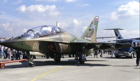 """Руският """"Як-130"""" стана перлата на авиосалона в Сингапур"""