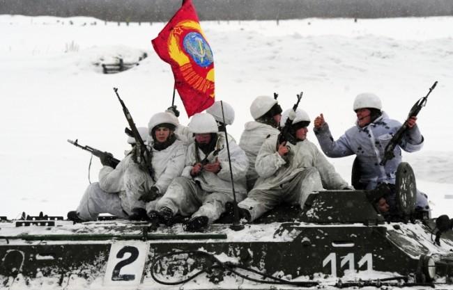 Около 150 хил. руски военни участват в мащабни учения
