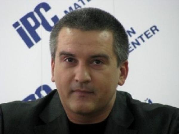 Кой е Сергей Аксьонов, премиерът на Крим?