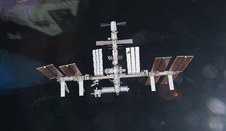 Руснак ще предаде командването на МКС на японски астронавт