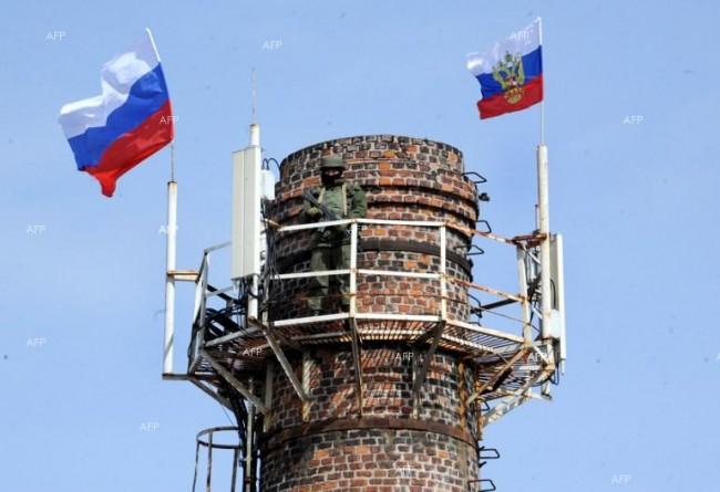 В Крим 72 военни подразделения вдигнаха руски флаг