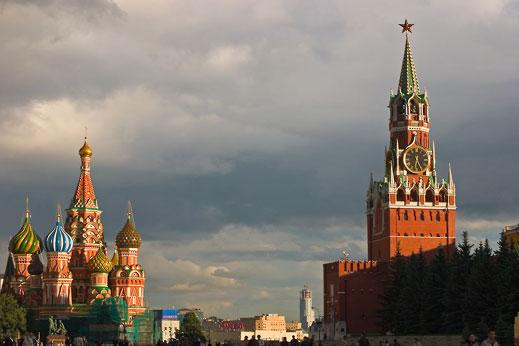 Русия и Украйна контактуват на ниво министерства и ведомства