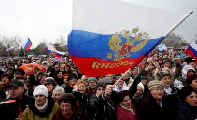 Властите в Севастопол възнамеряват да запазят в училищата преподаването на два езика