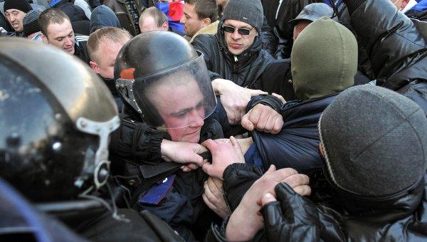 При сблъсъците в Николаев са пострадали 10 души