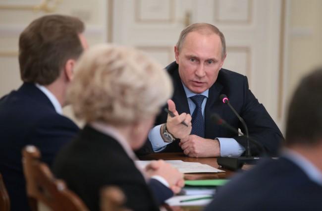 Путин: Внедряването на Крим трябва да бъде реализирано в срок