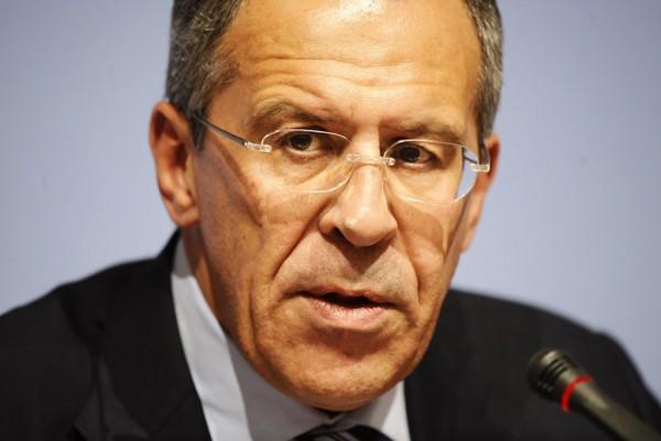 Лавров: тласкат украинския народ към братоубийствена война