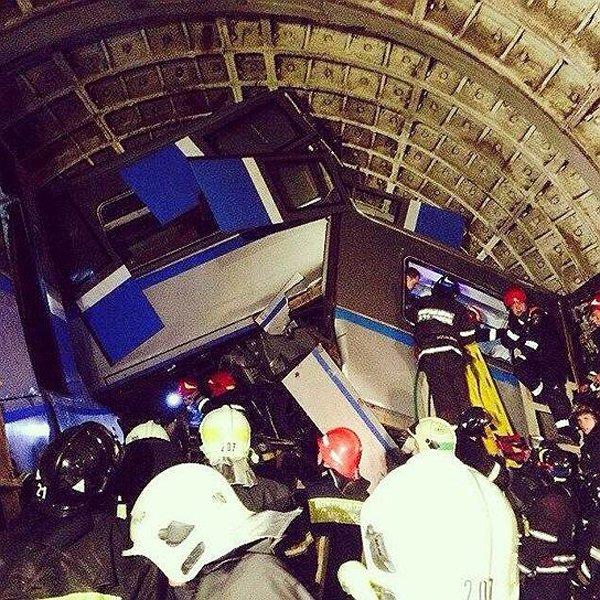 Загиналите в московското метро са 20 души
