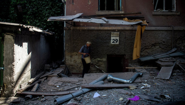 В Луганск спряха да дезинфекцират водата