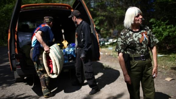Киев е готов да изпраща бежанци от ДНР и ЛНР на фронта