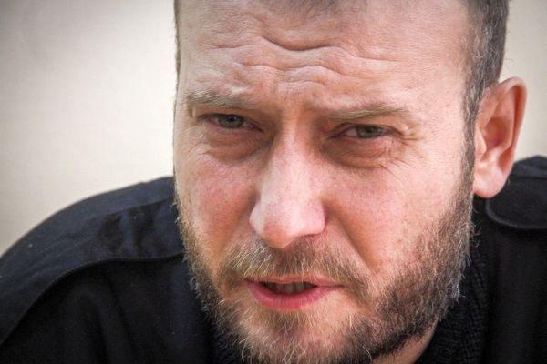 """Лидерът на """"Десен сектор"""" е ранен смъртоносно край Донецк"""