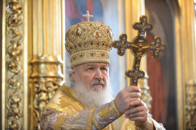 Патриарх Кирил отново призова Порошенко да спре кръвопролитията