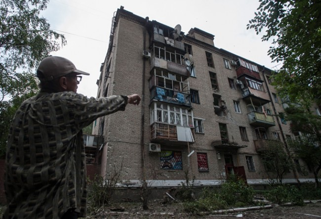 Украинската армия продължава да обстрелва мирното население в Новорусия