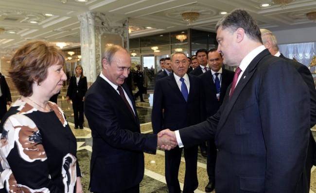 Путин се договори с Порошенко за хуманитарна помощ