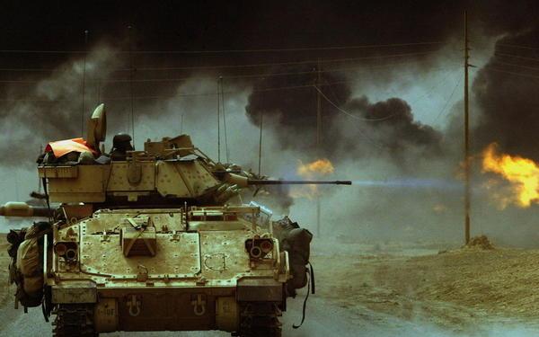 Обстреляха опълченците с танкове до летището на Донецк (ВИДЕО)