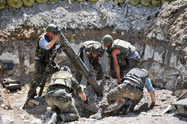 Украинската армия продължава да обстрелва въпреки примирието
