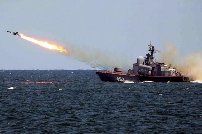 Ученията на руския Северен флот  минават успешно